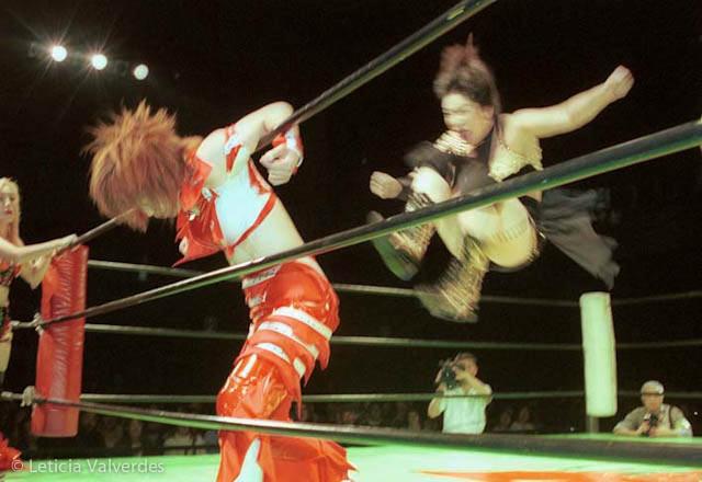 Japanese-Female-Wrestlers-7.jpg