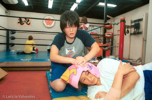 Japanese-Female-Wrestlers-14.jpg